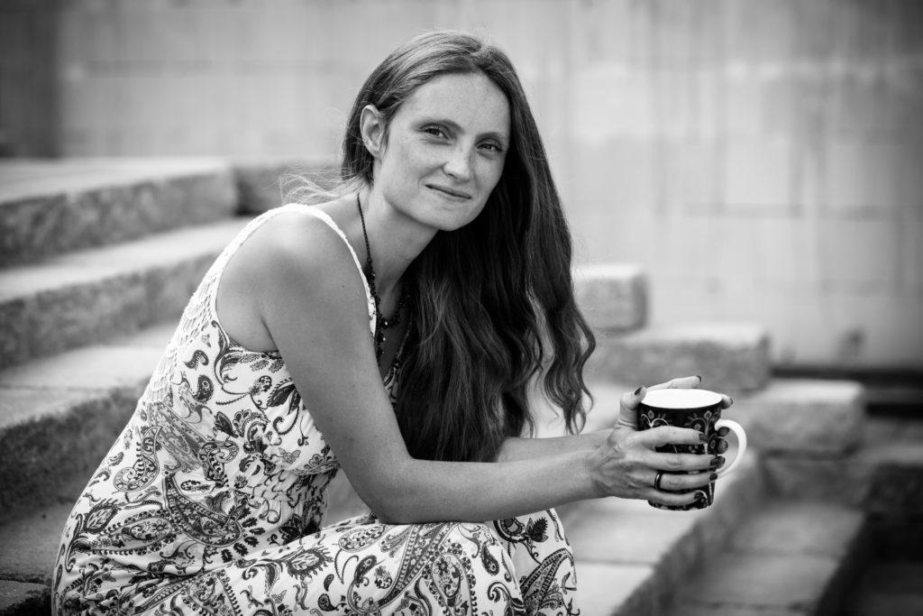 Katharina Tolle. Bild in schwarz-weiß.